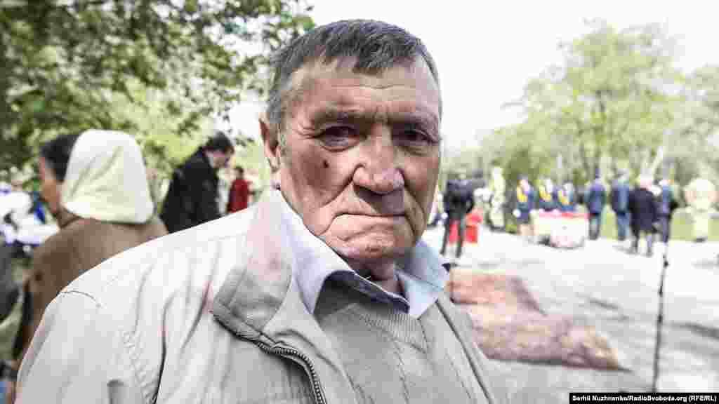 Сударенко Микола, 67 років. Приймав участь у ліквідації аварії з 5 по 27 травня 1986 року. Машиніст ескаватора отримав майже 19 бер, при допустимій річній нормі в 5 бер. Інвалід 2-ї групи