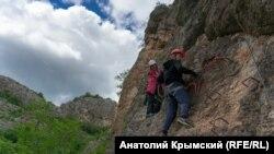 К пещерам Ени-Сала: туристическими маршрутами Крыма (фотогалерея)
