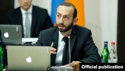 Armenia - First Deputy Prime Minister Ararat Mirzoyan speaks at a cabinet meeting in Yerevan, 22 May 2018.