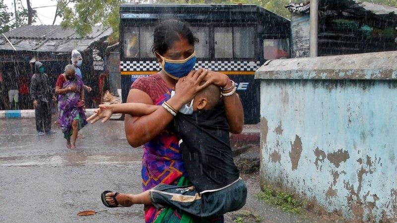 U Indiji 7.466 novozaraženih