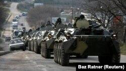 Российские военные в Крыму, архивное фото