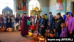 Пасхальное богослужение в Симферопольском храме Святых Равноапостольных князей Ольги и Владимира