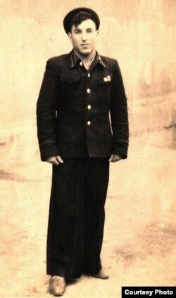 Мода канца 1940-х: 20-гадовы Ўладзімер Церлюкевіч