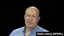 Политичкиот аналитичар, Валери Соловеи