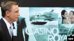 دانيل کريگ ۳۹ ساله با بازی در فيلم کازينو رويال در سال گذشته معروف شد.