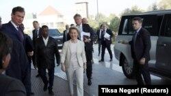 Presidentja e Komisionit Evropian, Ursula Von der Leyen gjatë arritjes në selinë e Komisionit të Unionit Afrikan në Etiopi.