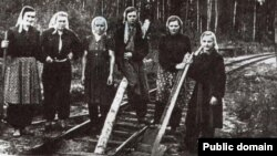Трудармия. Немецкие женщины на строительстве железной дороги. 1946 год