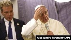 اظهارات پاپ فرانسیس به هنگام بازگشت به رم و در خطاب به خبرنگاران حاضر در پرواز ایراد شده است.