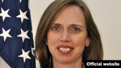 Diplomata Kara McDonald