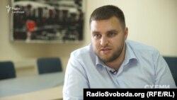 Гендиректор держпідприємства «СЕТАМ» Віктор Вишньов каже, що раніше всі компанії, які займалися реалізацією арештованого майна, були наближені до «сім'ї» Януковича