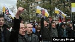 Русские ультраправые: песня строить и жить помогает