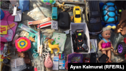 Товары блошиного рынка в Алматы. 27 октября 2019 года.