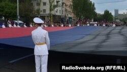Югоосетинская делегация во главе со спикером парламента побывала в Донецке на праздновании годовщины образования республики