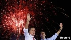 Mitt Romney împreună cu Paul Ryan la Fishersville, în Virginia