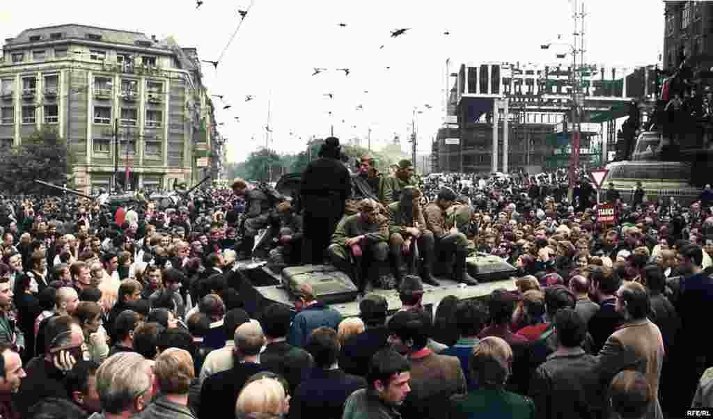 Советский танк на Вацлавской площади, 21 августа 1968