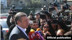 Премьер-министр Георгий Квирикашвили призвал следственные органы как можно скорее разобраться в ситуации