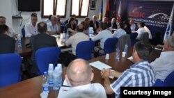 Fotografi nga takimi i kreut të LDK-së, Isa Mustafa me kryetarët e degëve të LDK-së. 13 qershor 2014