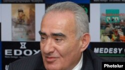 Зампредседателя правящей Республиканской партии Галуст Саакян