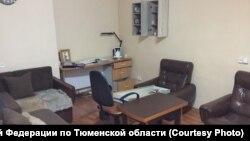 """""""Квартира"""" на территории тюменской колонии"""