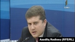 REAL Hərəkatının idarə heyyətinin üzvü Erkin Qədirli.
