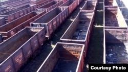 Пустые вагоны из-под угля, Харцызск