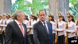 Raul Castro dhe Francois Hollande