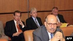 محمد البرادعی، مدیر کل آژانس در یکی از نشستهای شورای حکام