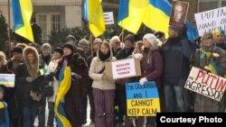 Протест українців у Канаді проти військової агресії Росії в Криму, Монреаль, 2 березня 2014 року