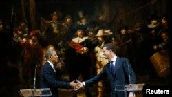 ABŞ prezidenti və Niderlandın baş naziri Amsterdam Dövlət Muzeyində, 2014