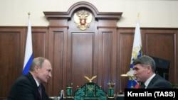 Олег Николаев и Владимир Путин