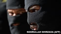 Pamje të talibanëve.