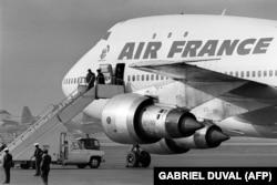 نمایی دیگر از هواپیمای ایرفرانس به هنگام خروج آیتالله خمینی