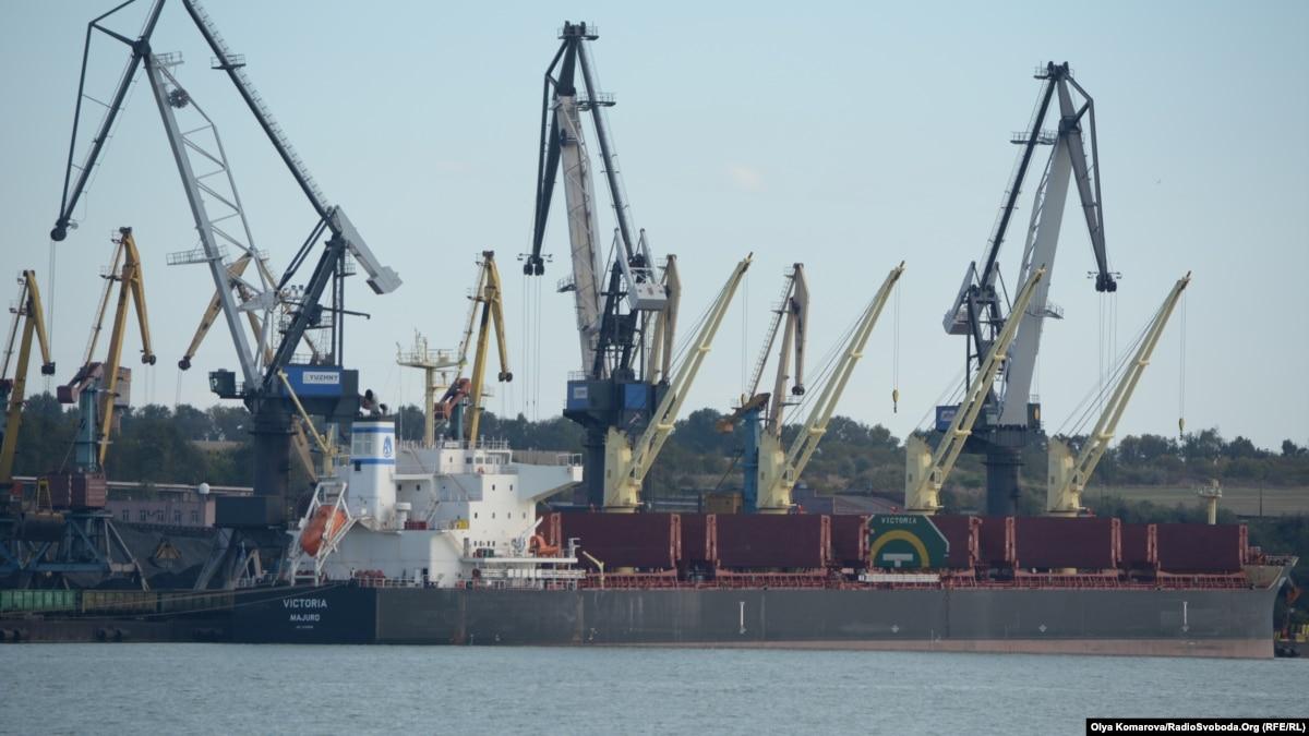 Правительство «украинизировал» название крупнейшего порта Украины