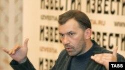"""Лидер """"Штаба защиты русских школ"""" Александр Казаков на пресс-конференции"""