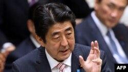 Синдзо Абэ в нижней палате парламента Японии