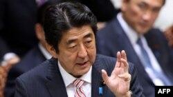 Жапония премьер-министрі Синдзо Абэ.