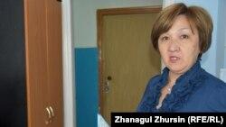 """""""Ауыр тұрмыстық жағдайдағы тұлғаларды қайта әлеуметтендіруге арналған орталық"""" қызметкері Гүлара Тәжіғалиқызы."""