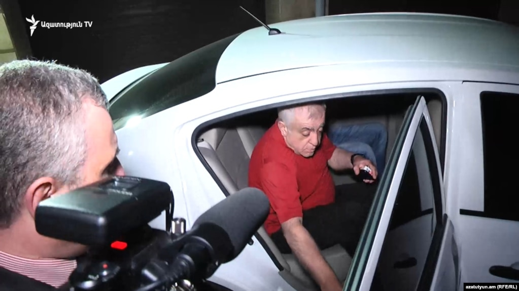 Сашик Саргсян освобожден после допроса в СНБ