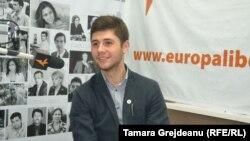 Doru Curoșu în studioul Europei Libere la Chișinău