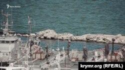 Стоянка судов «Генмол»в Керчи, где находились украинские военные корабли, 20-е числа июня 2019 года