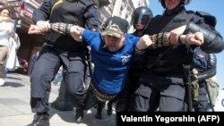 Организацията ОВД-Инфо, която следи за полицейски нарушения по време на протести, съобщава за общо 68 задържани.
