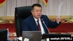 Қирғизистон парламентининг собиқ спикери Чинибай Турсунбеков.