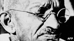 ماهاتاما گاندی،رهبر معنوی و سیاسی هندی ها