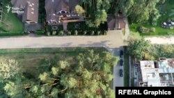Автівки Коломойського і Mercedes стояли саме біля заміського маєтку Луценка