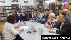 Падчас прэзэнтацыі кнігі Клер Лё Фоль у Менску