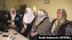 Srebreničani gledaju prenos iz Haga sa izricanja konačne presude Momčilu Perišiću