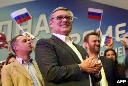 Владимир Милов, Михаил Касьянов, Алексей Навальный на форуме