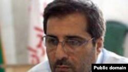 عليرضا هاشمی، دبيرکل سازمان معلمان ايران، به سه سال حبس تعزیری محکوم شده است.