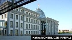 По заявлении пресс-службы Георгия Маргвелашвили, президент не намерен переезжать из авлабарской резиденции в другую – на ул. Атонели