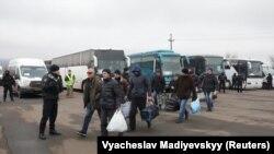 Поддерживаемые Россией группировки «ДНР» и «ЛНР» выдали Украине 76 человек в ходе обмена 29 декабря 2019 года